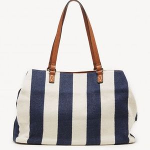 LARGE SOLE/SOCIETY MILLIE NAVY AND CREAM TOTE